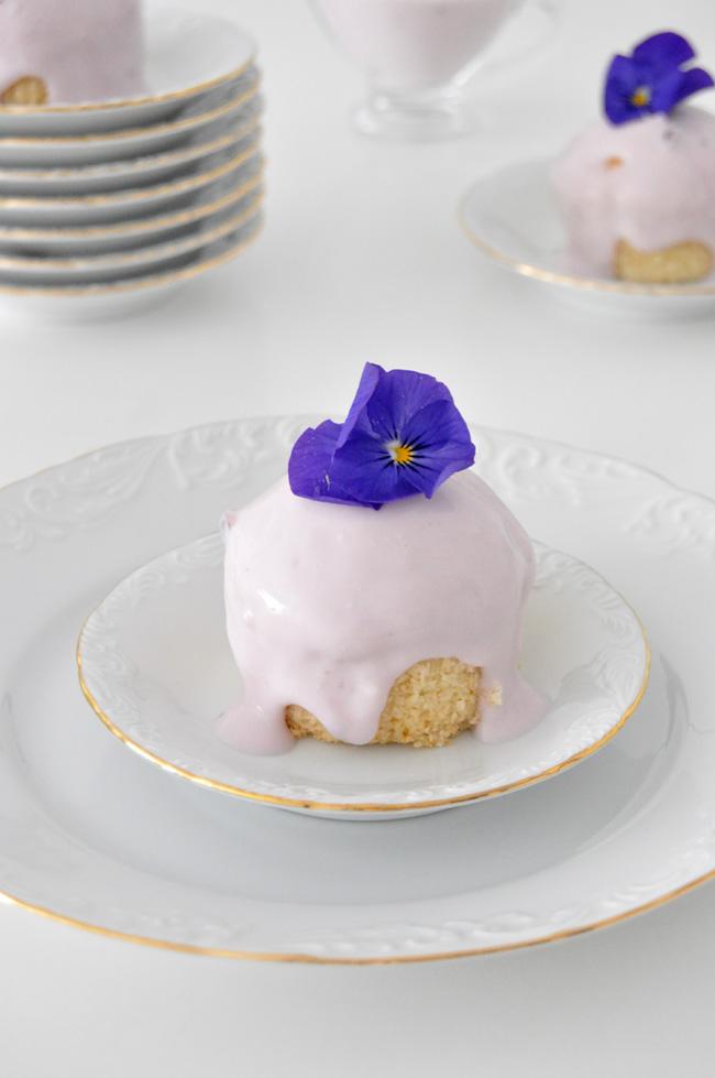 Cupcake de yogurt con arándanos y queso