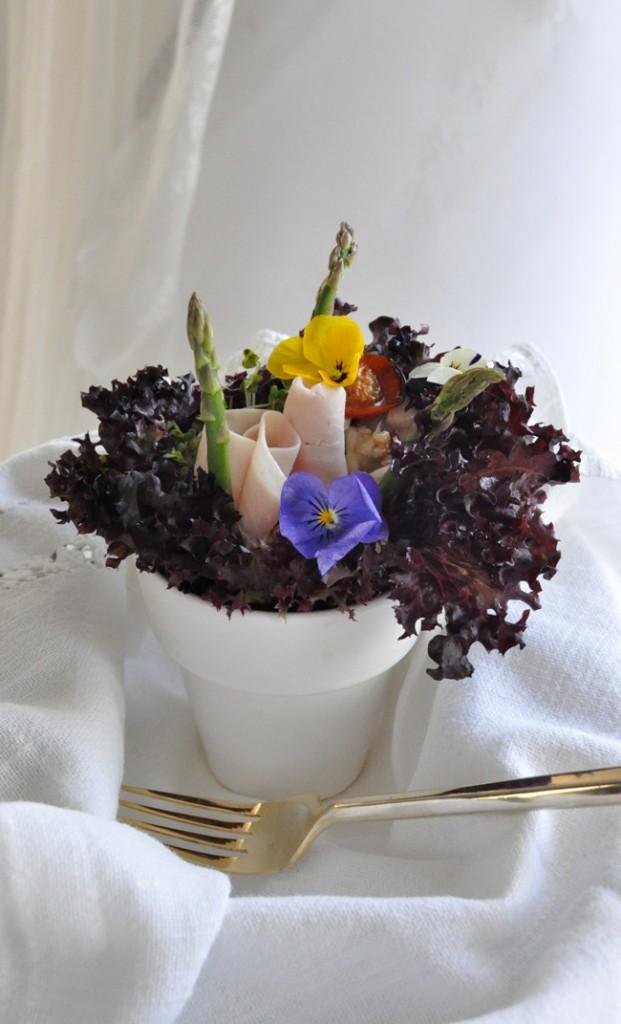 Ensalada de pavo y flores