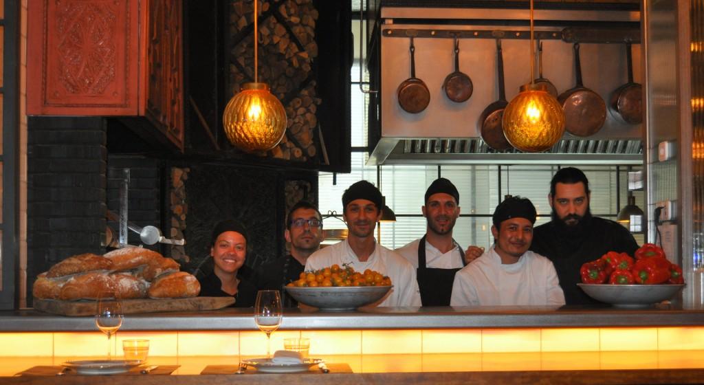 El chef con el equipo de toto