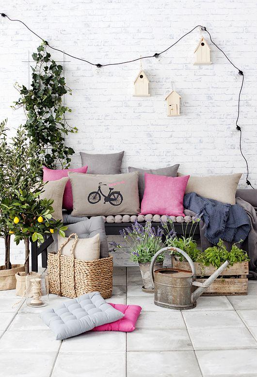 Terrazas jardines y mesas de verano for Mesas de terraza y jardin