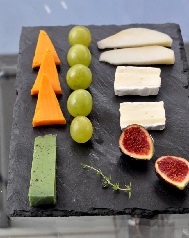 queso higos y uva