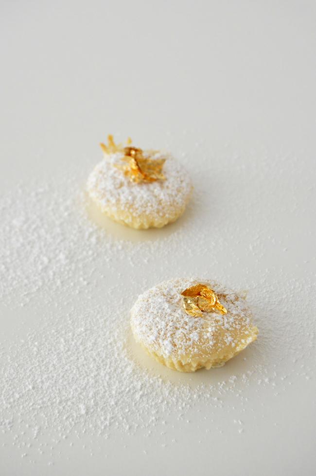 magdalenas de quesod e cabra, y azucar glas