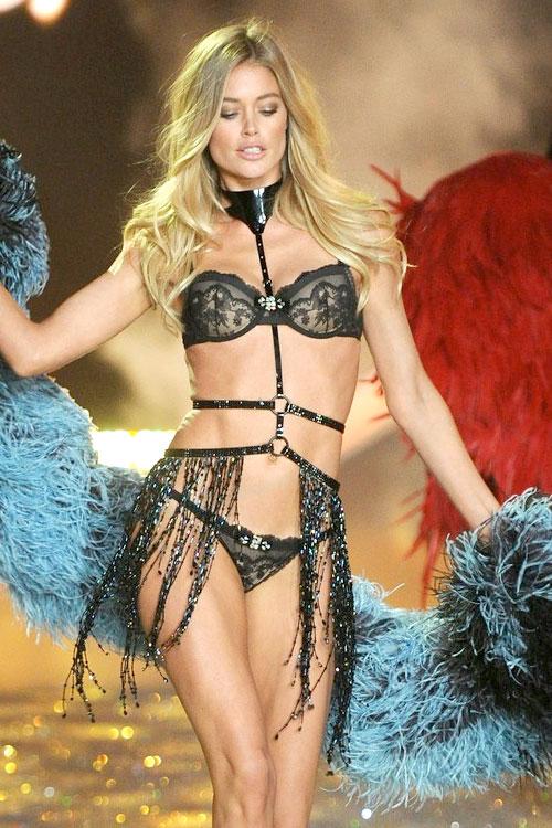 Doutzen-Kroes-Victorias-Secret-Angels-Fashion-Show-2014-02