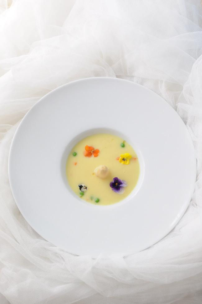 crema de esparragos tropezones florales2