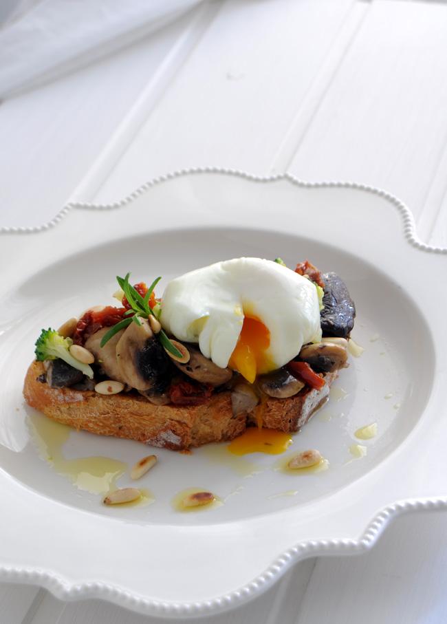 Tostada de setas y huevo poch for Setas para decorar
