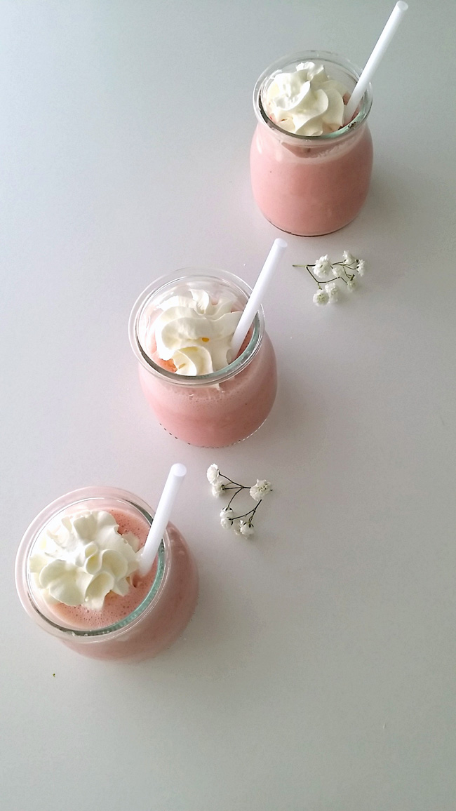 SMOOTHIE DE FRESA Y YOGURT GRIEGO
