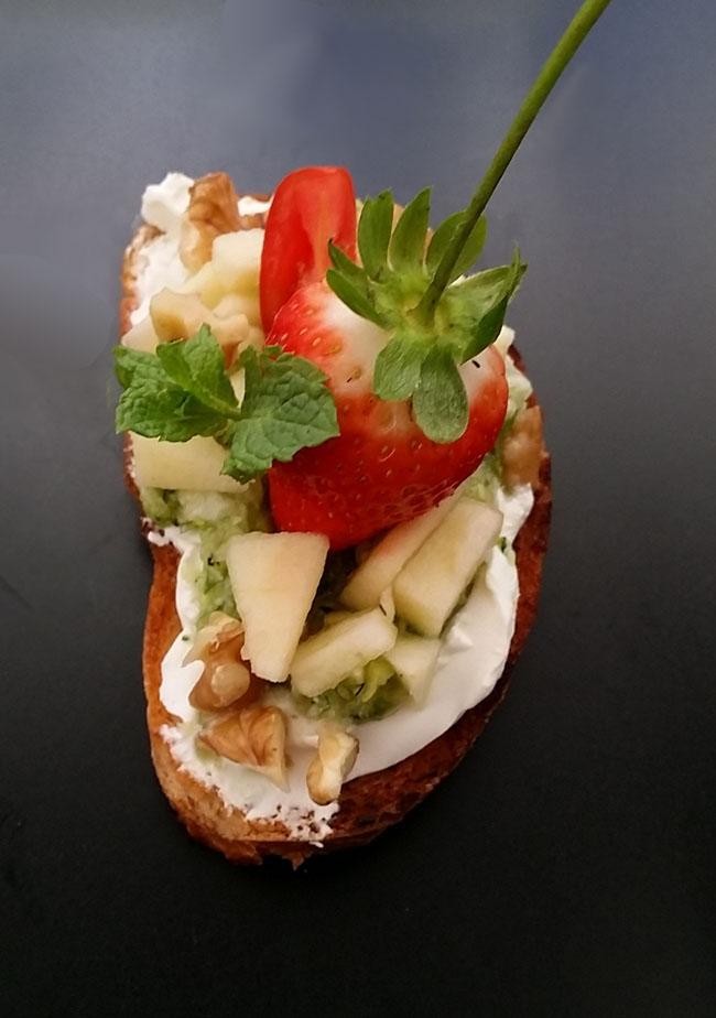 Tostada con verduras650