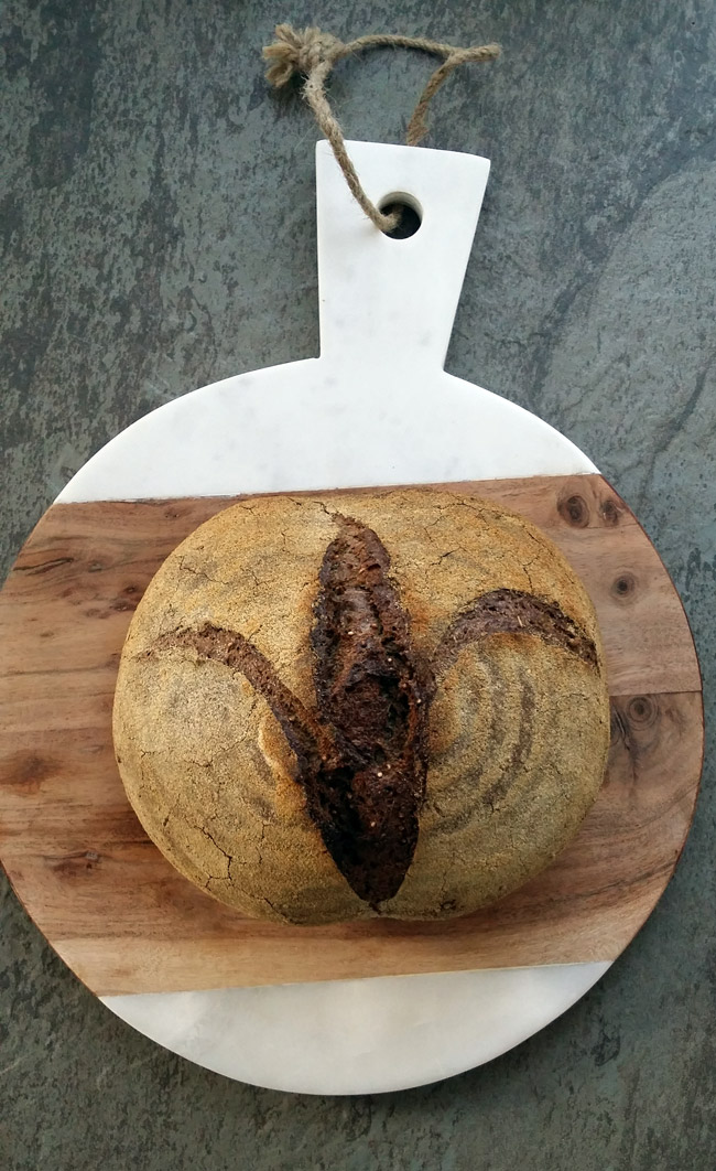 pan-de-masa-madre-con-quino (1)
