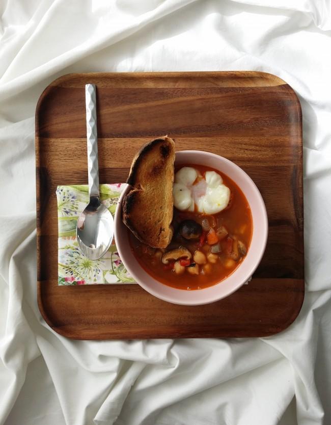 Sopa de legumbres con shiitake