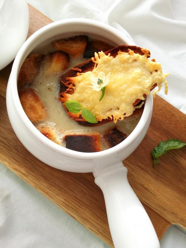 sopa de cebolla rápida